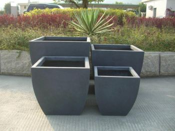 Mixed Set of 4 Orston Rounded Base Planters in Black