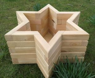 75cm Wooden Pine Star Planter