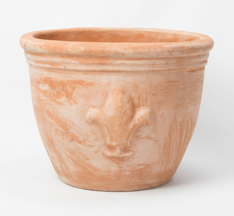 d30cm terracotta planter with fleur de lis. Black Bedroom Furniture Sets. Home Design Ideas