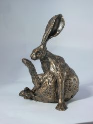 Horace Hare Sculpture
