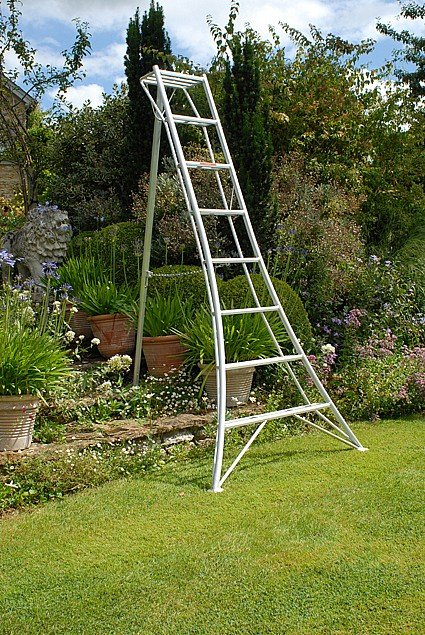 8ft Tripod Ladder