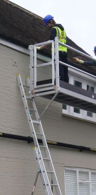 Ladder Staging Equipment: Self Closing End Gate for High Level Working Platform