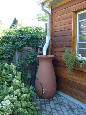 Cascata 245L Terracotta Effect Water Butt with Removable Planter