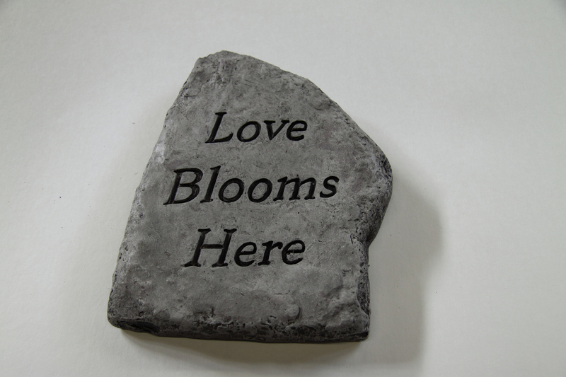 Love Blooms Here Cast Stone Garden Greeting Ornament H15cm x W20cm
