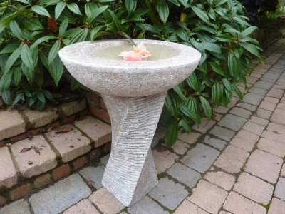 65cm Edinburgh Bird Bath- Black Limestone
