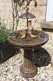 H84cm Duck Family & Umbrella Solar Water Feature