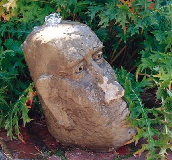 Small Moai Head Fountain