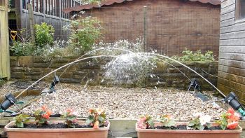 Jumping Jets Water Feature - Set of 4 with Metal Stands