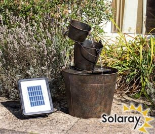 H49cm Dunwich Zinc Bucket Cascade Rust Effect Solar Water Feature y Solaray™