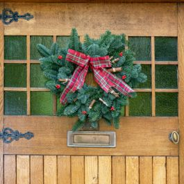 20cm (8in) Tartan Bow Real Christmas Wreath