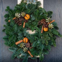 31cm (12in) Festive Spice Real Christmas Wreath