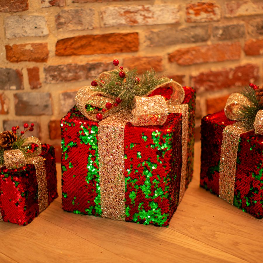 Set of 3 LED Light Up Christmas Gift Boxes With Sequins in Red & Green