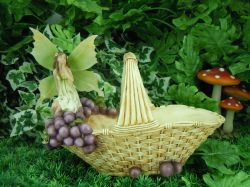 Cottingley Garden Fairy Statue - Blossom and Basket